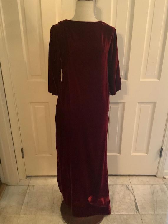 Sheath dress in deep cranberry velvet
