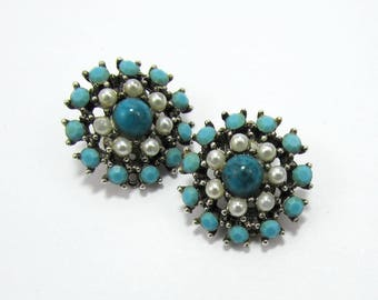 "Weiss Turquoise Blue & White Earrings - 1"" Clips - silvertone setting - 1960s"