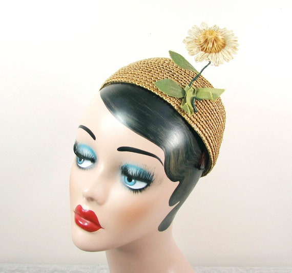 1960s Straw Calot Hat with daisy - Hat from Harold