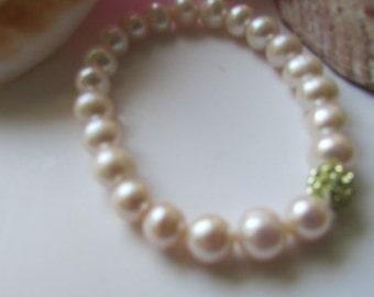 White Pearl Bracelet, bridal  gift,Bridesmaid Gift,Wedding Gift,Birthday Gift,White Pearl Strecth Bracelet
