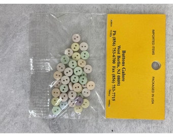 Lot of 3 White Heart Shell Buttons And Round Gray Mini Buttons NIP