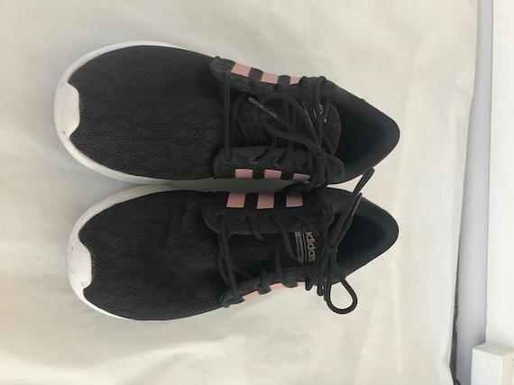 Adidas womens sz 7.5 sneakers black pink