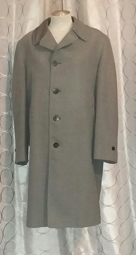 Man's London Fog Rain Coat in Black Tweed