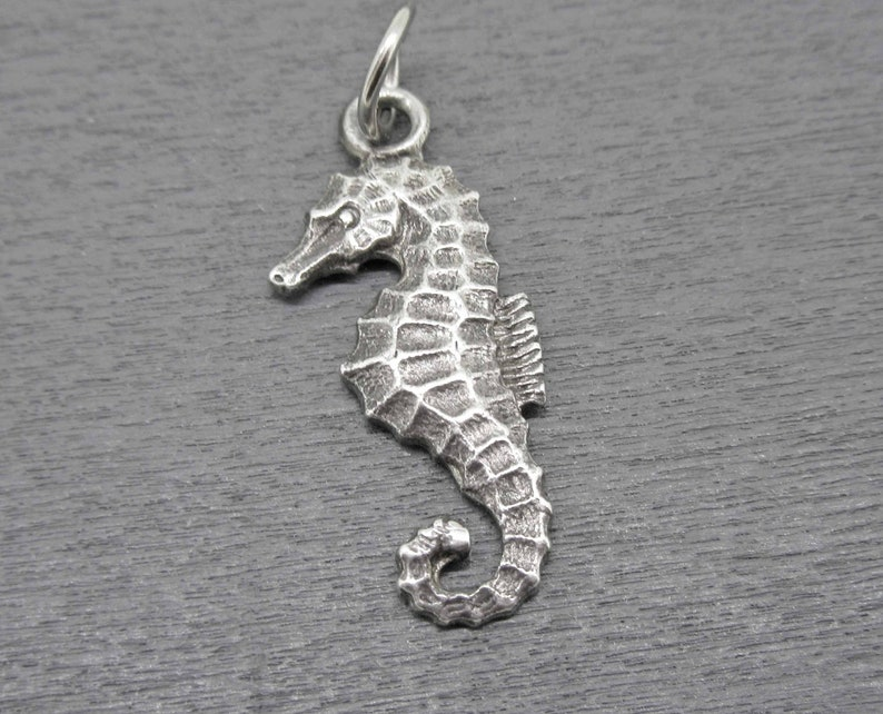 Sterling Silver Seahorse Charm Ocean Jewelry Seahorse Pendant Animal Charm Vintage Seahorse Charm for Charm Bracelets