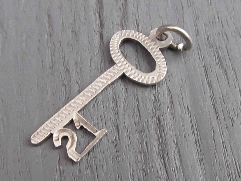 Lucky 21 Pendant Sterling Silver 21 Key Charm 21st Birthday Charm for Charm Bracelets Vintage Number 21 Charm with Skeleton Key
