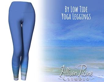 """Yoga Leggings in """"By Low Tide"""" (light blue)"""