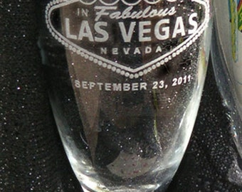 Las Vegas Champagne Toasting Flutes -  SET of 2 - Personalized - Engraved