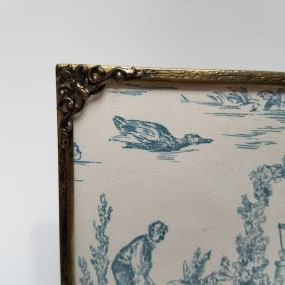 Relief coins 8 x 10 en métal antique en laiton photo cadre fleuri avec dos chevalet