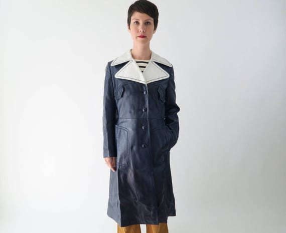 1960s 1970s Navy Blue Leather Trench Coat / Vintag
