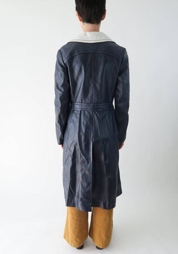 1960s 1970s Navy Blue Leather Trench Coat / Vinta… - image 3
