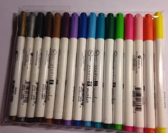 Bullet Tip Marker Set   --   Hampton Arts --  16 markers  --  NEW  --  (#1535)