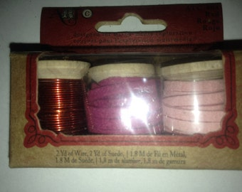Art Brand   --  Mixed Media Kit  --  Wire & Suede trim --   (REDS)  --  NEW   --   (#808)