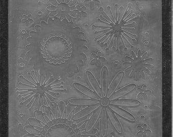Darice Embossing Folder -- New -- Flower Frenzy -- (#3057)