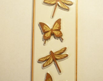 Momenta Brand  -- Wood Embellishments -- NEW --  Butterflies  -- (#1692)