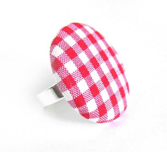 Large red gingham button ring - statement jewelry - summer fabric ring -  picnic ring - pinup ring - white plaid tartan check rockabilly