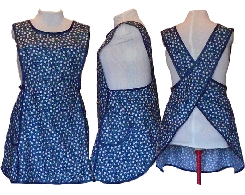 Plus size Apron Crossback No Tie Apron  Daisies and Pin Dots image 0