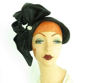 Vintage black tilt hat, woman's 1940s hat, WW2 era
