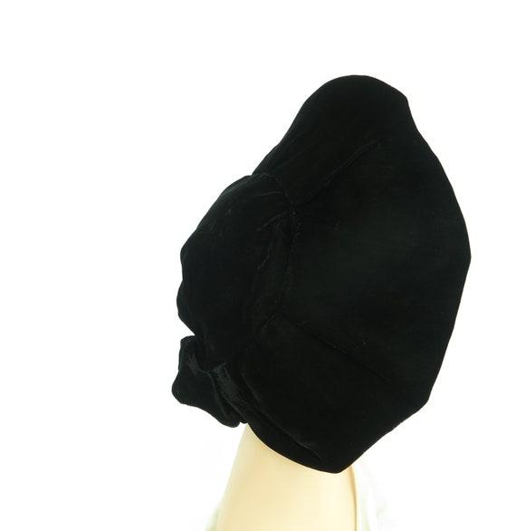 Woman's 1940s platter hat. Vintage black beret, v… - image 3