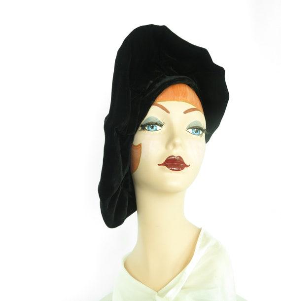 Woman's 1940s platter hat. Vintage black beret, v… - image 2