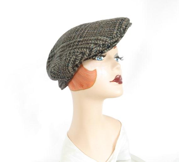 Woman's newsboy cap, vintage plaid hat, United Kin