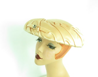 Vintage 1950s hat, woman's peach satin toque. Mid century Jane Morgan