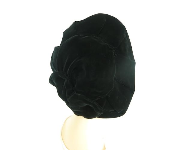 Woman's 1940s platter hat. Vintage black beret, v… - image 4