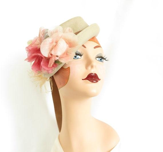 Vintage tilt hat, beige with pink flowers, woman's