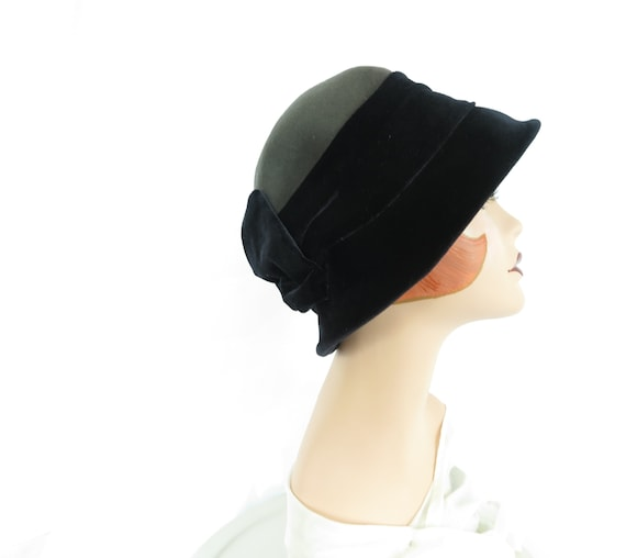 Vintage cloche hat, blue gray, 1970s 1920s, woman'
