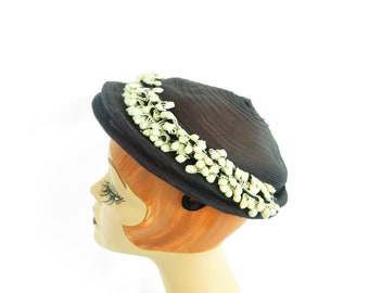 Vintage 1950s hat, women's navy blue with white trim, mid century
