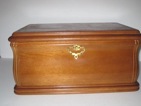French vintage wood small Box jewelry box miniature coffre chest coffret en bois