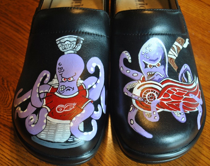 NEW Detroit Red Wings Hand Painted Nurses Clogs, Al the octopus - sorry sold - NOTE:  The customer provided the shoes to be painted