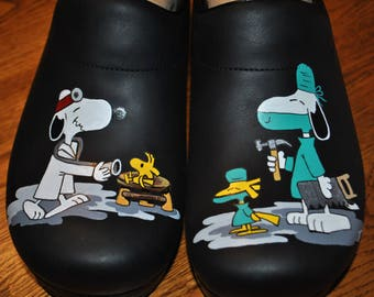 New Hand painted Snoopy Orthopedic Surgeon clogs size 44 mens - sorry sold