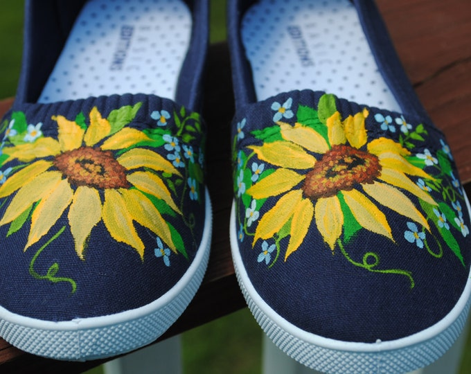 New Hand Painted Design Sunflowers and for-get-me-nots size 7 - SOLD