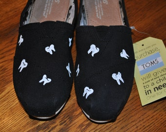New Custom Hand Painted Toms size 7.5 for my Dentist friends..... sorry sold