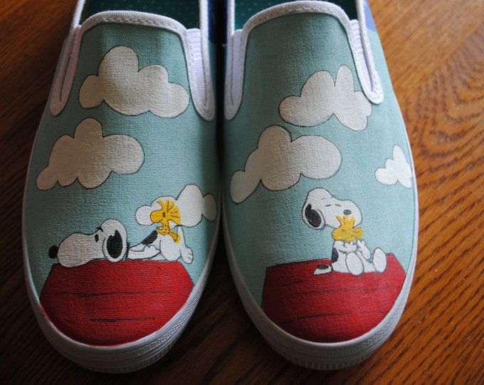 snoopy and his Red Dog House..size 8  ****SOLD******