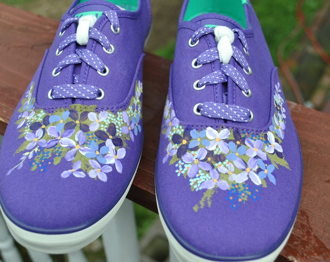 Custom Hand Painted Flower sneakers size 11 sold