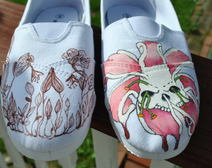 For sale Flowers and SKULLS size 8.5 READY to SHIP