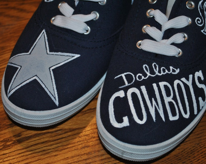 New Fun Design Dallas Cowboys hand painted shoes size 8.5 sold