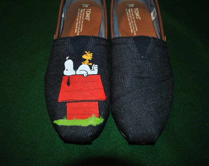 Custom Hand Painted Snoopy design... snoopy on his house on Mens Toms.. sorry sold