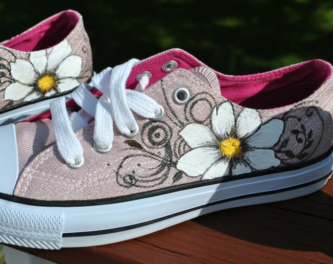 Pretty Hand Painted sneakers Air-walks With Daisies and swirls size womens 6 1/2 - sold