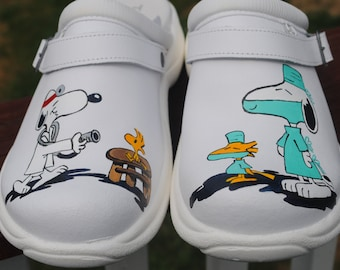 Custom Hand painted Toffeln clogs for Sugical Dr. he wanted Snoopy dr, and surgeon.. here you go man... love you guys... sorry sold