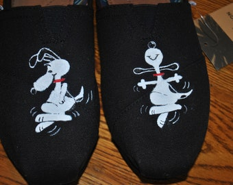 Snoopy dancing hand painted tom's shoe size 9.5   .... sorry sold