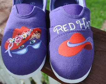 Heey RED Hatters... These cute and Funny little Red Hat specials are for you size 6.5- 7.  READY to SHIP