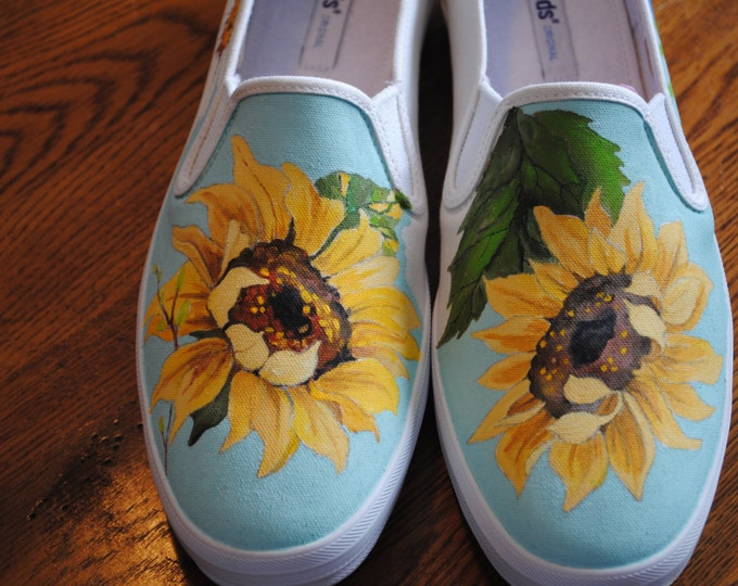 Custom Hand Painted Sunflower and Daisies Sneaker size 10 - note this item is sold only for display