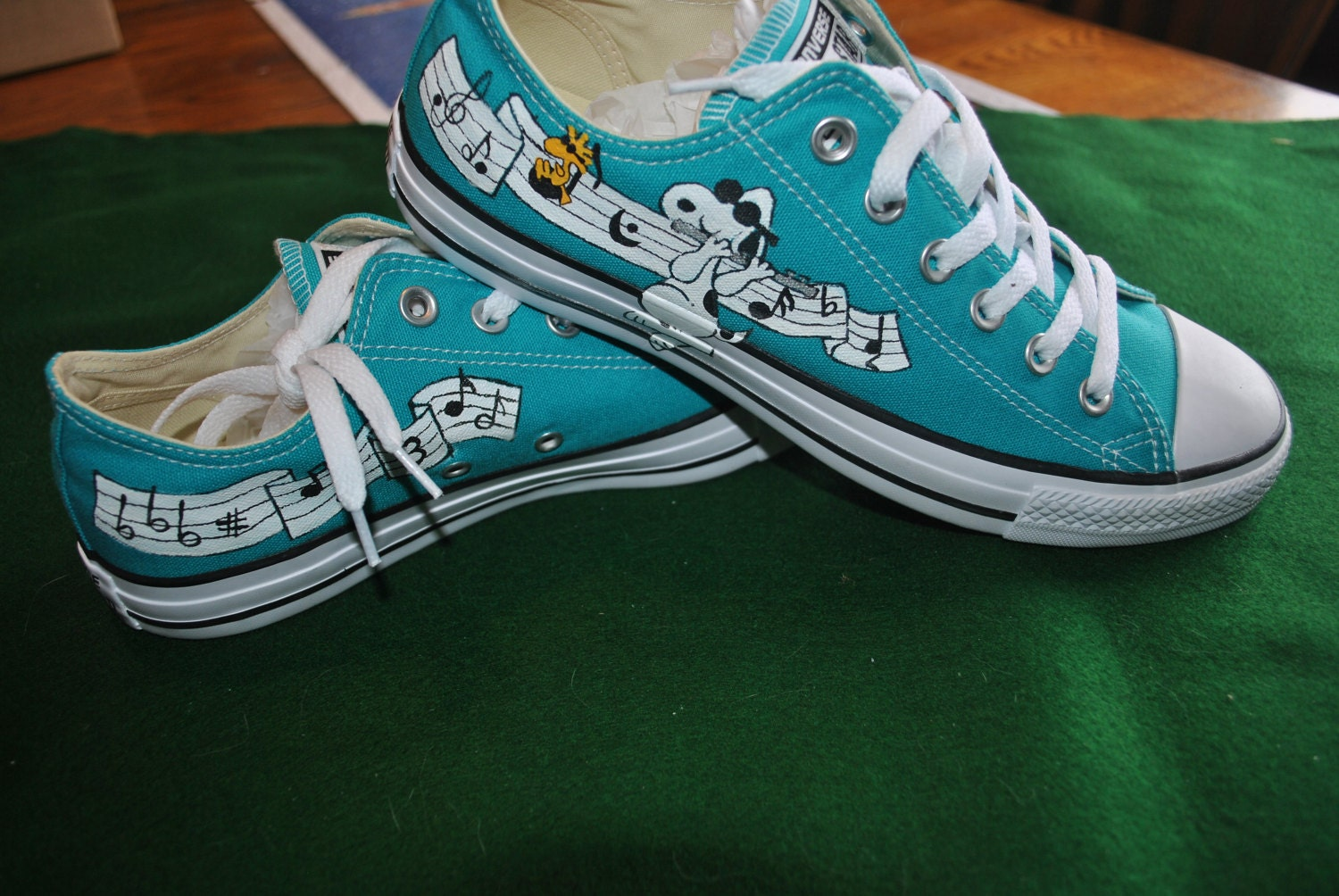 b9bbee52505 Custom Converse sneakers with Musical snoopy playing the flute