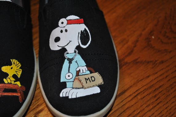 SNOOPY DR. size 8.5 Snoopy Vet shoes or doctor shoes sold