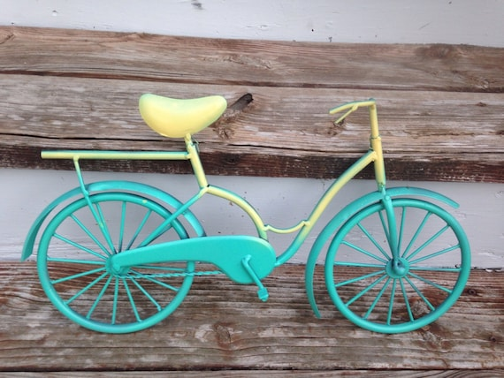 Metal Bicycle Wall Art | Handmade Decor Ideas For Decorating A Beach House