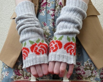 Long Fingerless Gloves, Fingerless Mittens, Red Rose in Grey Lambswool