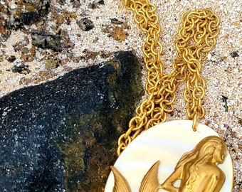 Siren by the Sea Shore ~ vintage mermaid necklace