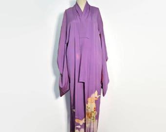 Vintage Lavender Silk Kimono Robe // Japanese Kimono // Vintage Floral Kimono Dressing Gown Robe